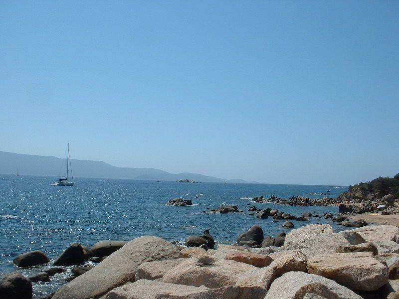 L'ile de beauté porte bien sont nom. Entre ciel azur et plage de rêve. Petite ruelle et village perché, mes souvenirs et quelques clichés...