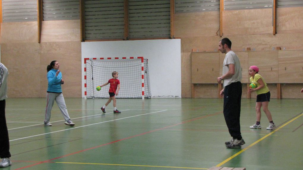 Album - -11 Parents contre Enfants tournoi-de-Noel-