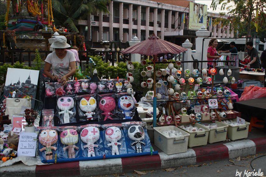 Chiang Mai, Sunday Market : offrir