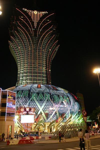 Casinos by night : déjà de jour ça dégage, mais dès que la nuit tombe...