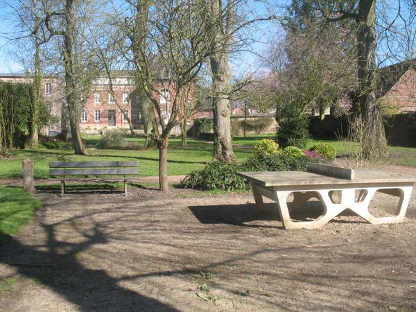 <p>Le parc de l'office de tourisme d'Auffay&nbsp&#x3B;est un havre de paix pour les oiseaux, mais aussi pour les humains. Il est possible d'y retrouver une certaine s&eacute&#x3B;r&eacute&#x3B;nit&eacute&#x3B;. Les enfants peuvent jouer sur des jeux adapt&eacute&#x3B;s. Il est possible de pique niquer en respectant l'endroit.</p><p>Bonne visite virtuelle, mais le mieux est de venir le&nbsp&#x3B;visiter directement. </p><p>Des photos seront ajout&eacute&#x3B;es au fur et &agrave&#x3B; mesure des saisons, alors venez r&eacute&#x3B;guli&e