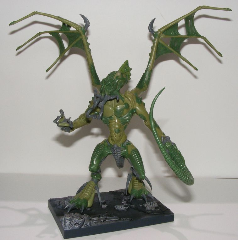 Pictures of the Cthulhu miniatures from my collection, including work in progress and final shots of my homemade Great Cthulhu.