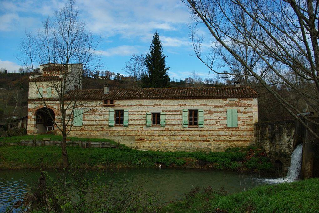 Hameau de Cornillas dépendant de la commune de Valence d'Agen (Tarn-et-Garonne). Décembre 2009.Album associé à l'article Le clos d'eau.