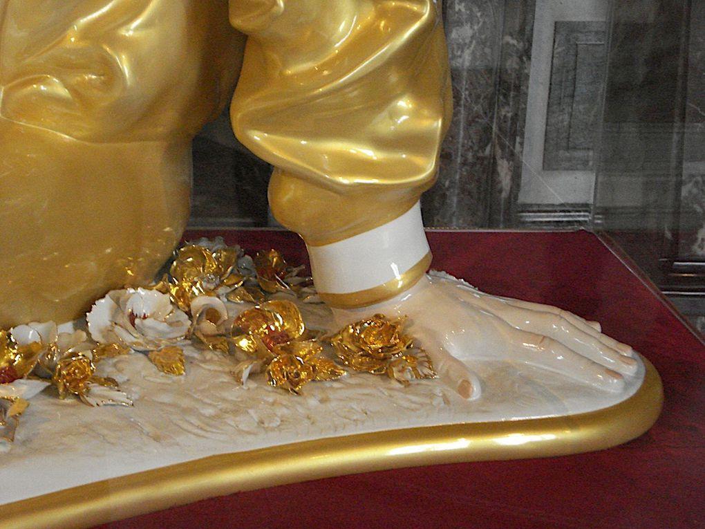 Exposition de Jeff Koons à Versailles, Damien Hirst, Etienne Bossut etc ...