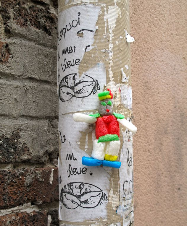 Art de la rue, collages, pochoirs, graffiti, tags