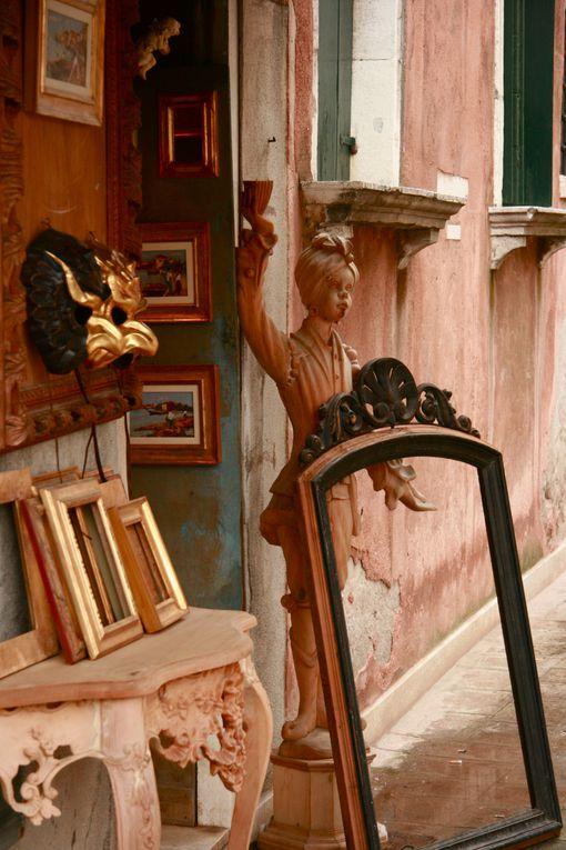 Venise est en soi un lieu magique, rajoutez y le carnaval, la ville devient une belle mystérieuse et élégante