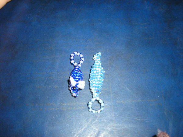 voici mes diff&eacute&#x3B;rentes cr&eacute&#x3B;ations en perles, en windows colors, en perles hamas en serviettage........