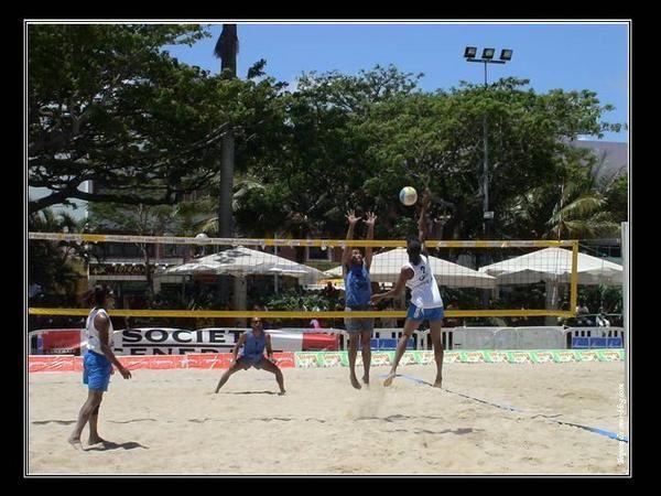Master international de beach volley 2006 en plein coeur du centre ville sur la place des cocotiers.