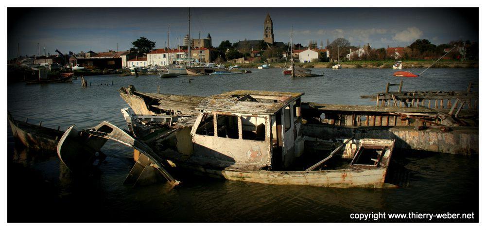 Photos du cimetière de Bateaux dans le port de Noirmoutier - Photos Thierry Weber Photographe de mer à La Baule Guérande