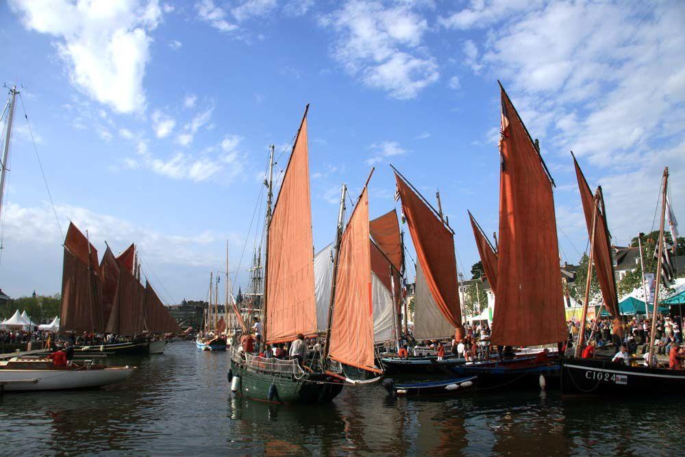 Semaine du Golfe 2009 - Les photos de la grande parade des voiliers de pêche et de travail de la semaine du Golfe du Morbihan - 23 Mai 2009 - Port de Vannes