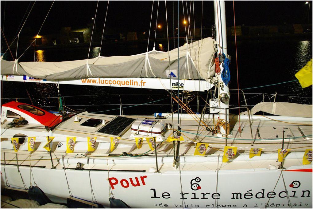 21h30 sur les quais de Saint Malo. Après la fermeture du village des exposants tout devient plus calme le long des pontons.