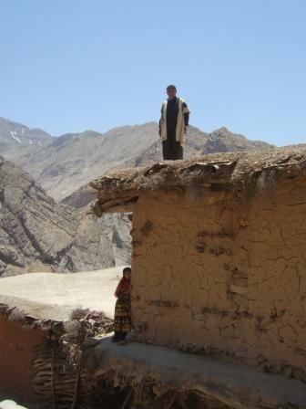 Dans l'ouest de l'Iran : quelques clich&eacute&#x3B;s des nomades Bakhtiari en &eacute&#x3B;t&eacute&#x3B;, &agrave&#x3B; l'ouest d'Isfahan, d' Azarb&acirc&#x3B;yj&acirc&#x3B;n, de Tabriz, Orumiyeh, Zanjan, le village troglodyte de Kandovan ...