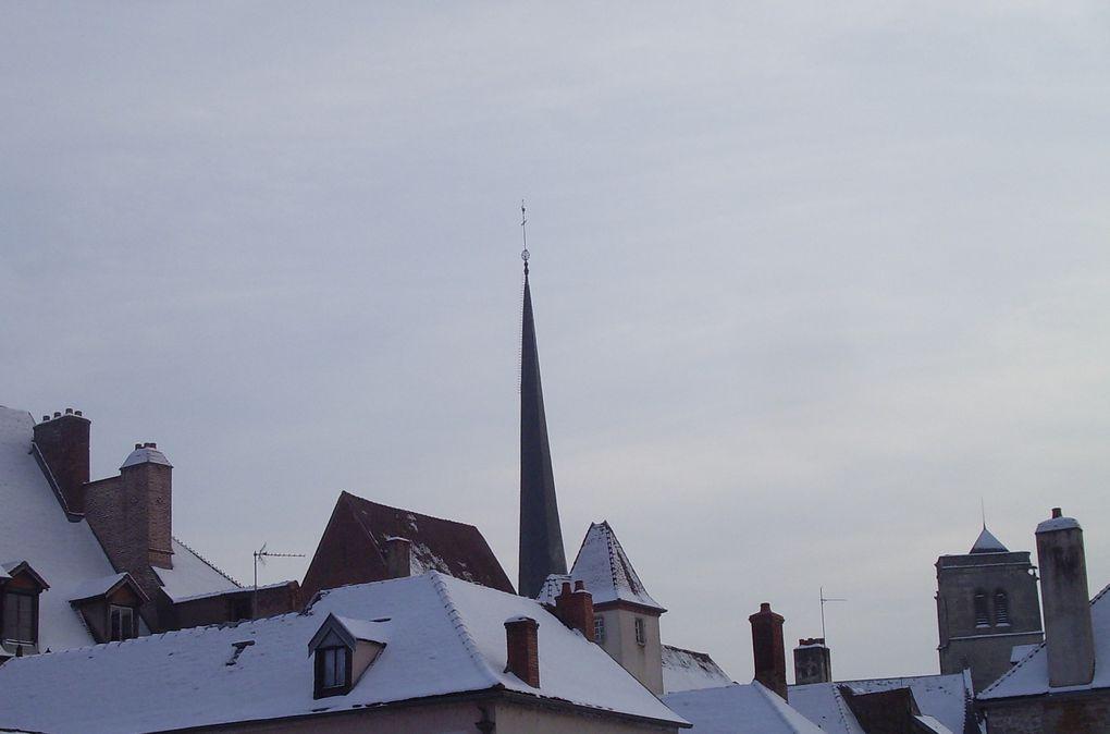 le clocher de Chrisny sus tous les angles...