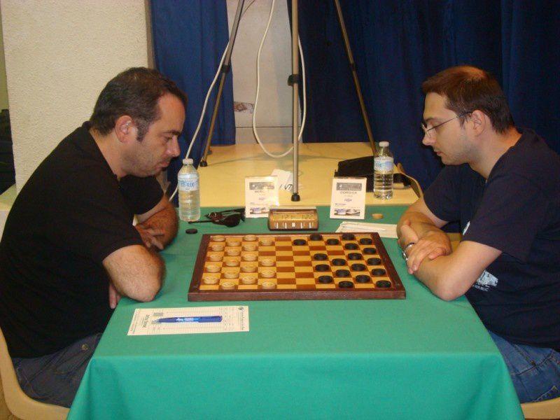 Le championnat de France de jeu de dames 2010 a eu lieu à Toulouse du 14 au 22 Août.Arnaud Cordier, champion de France 2010