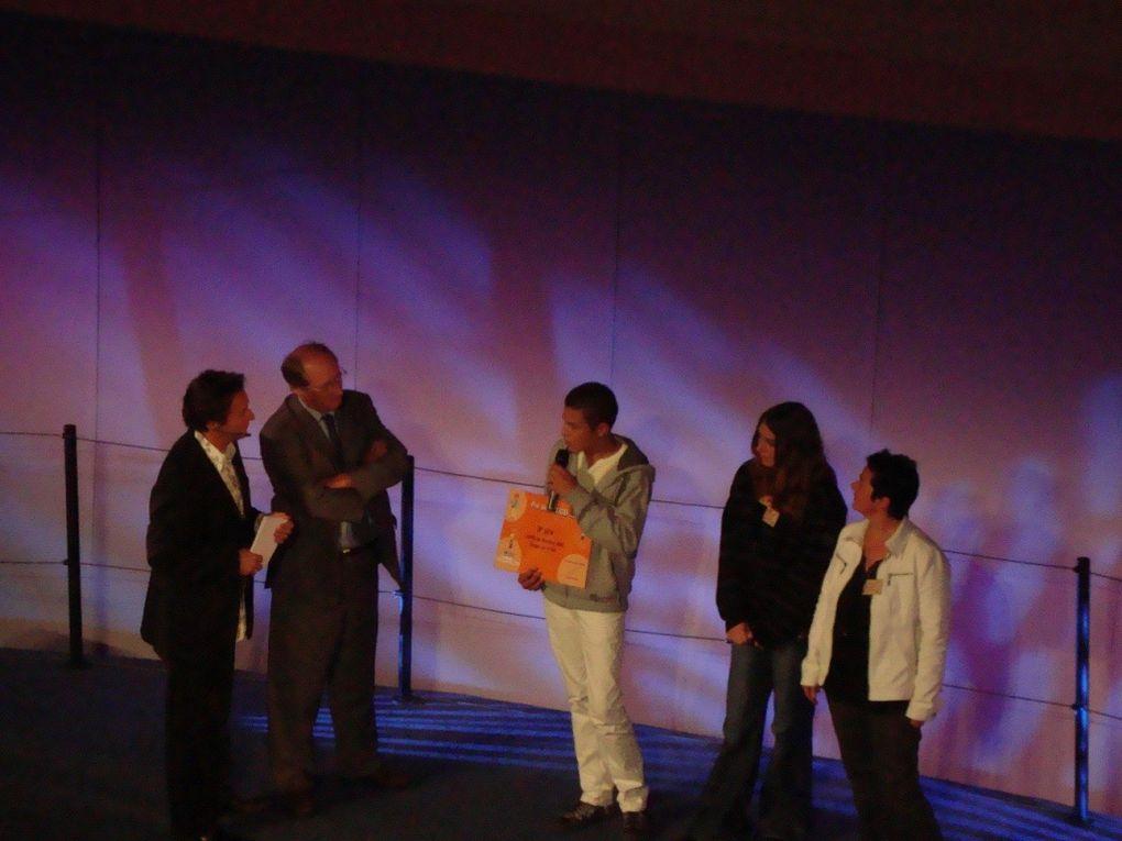 Voyage des 4èmes à ParisRemise des prix du concours Pré Vert organisé par la MSA