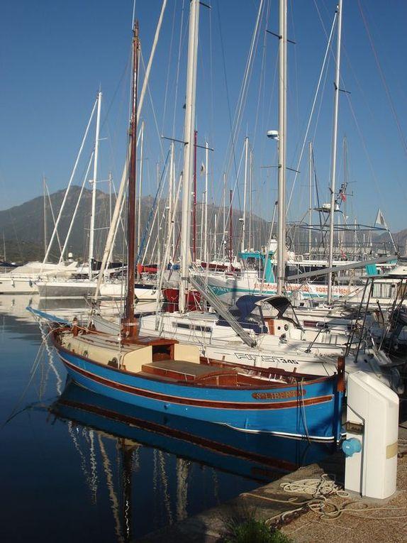 De Ajaccio jusque Propriano joli port en passant par la route traversant des villages comme Cauro etc...et la belle nature environnante. décembre 2009