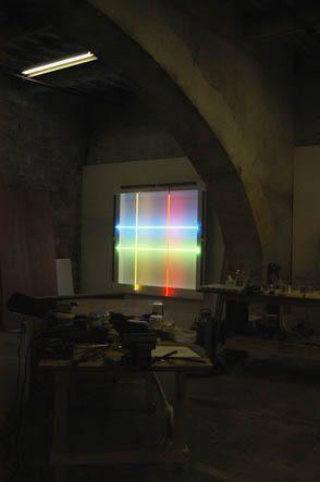 """L'atelier de Roger VILDER, artiste Franco-Canadien,vit et travaille à Nîmes,<br />Photos © jean-pierre Loubat 2006.  <br />Contact : <a href=""""mailto:artplus.loubat@wanadoo.fr"""">artplus.loubat@wanadoo.fr</a>"""