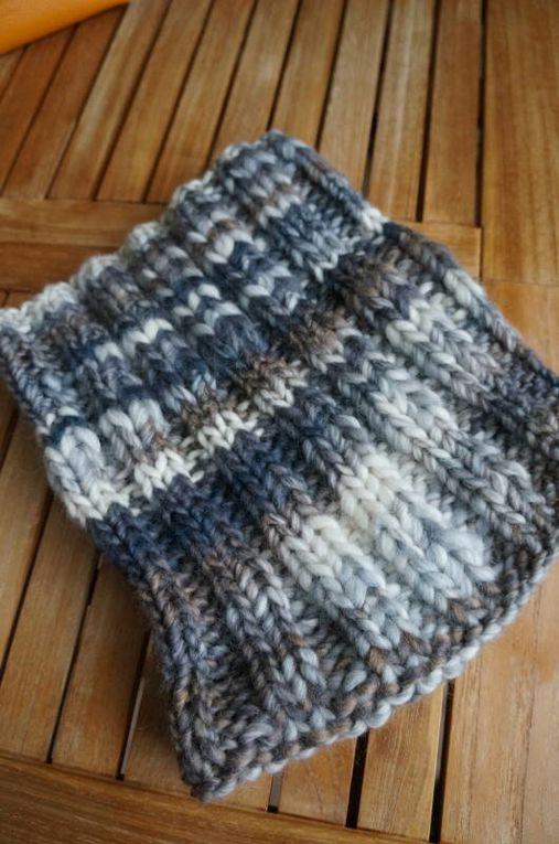 en tricot ou en crochet, j'adore tout particulièrement réaliser ce qui va se mettre autour du cou, sur les épaules