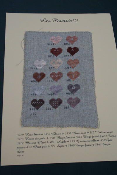 """Cette grille """"au coeur du nuancier"""" porte bien son nom puisque toutes les couleurs dmc sont présentées sous forme de coeurs"""