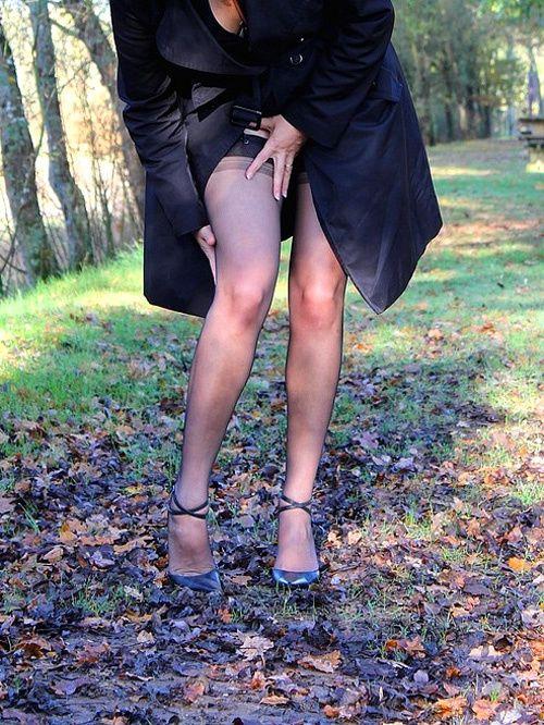 bas couture et bas nylon, ils sont une passion. Lescarpin porte les bas nylon CERVIN.