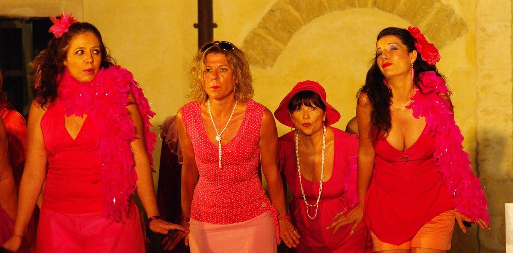 Spectacle Eté 2009 de Jacques OffenbachMise en scène : Fanny GioriaDirection musicale: Vincent Fuchs