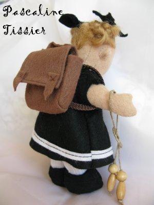 Taille des poupées environ 14cm-Taille des poupées de poupées environ 7cm-Taille des bébés environ 9cm-Taille des chiens environ 6cm-Taille des chats environ 6cm-
