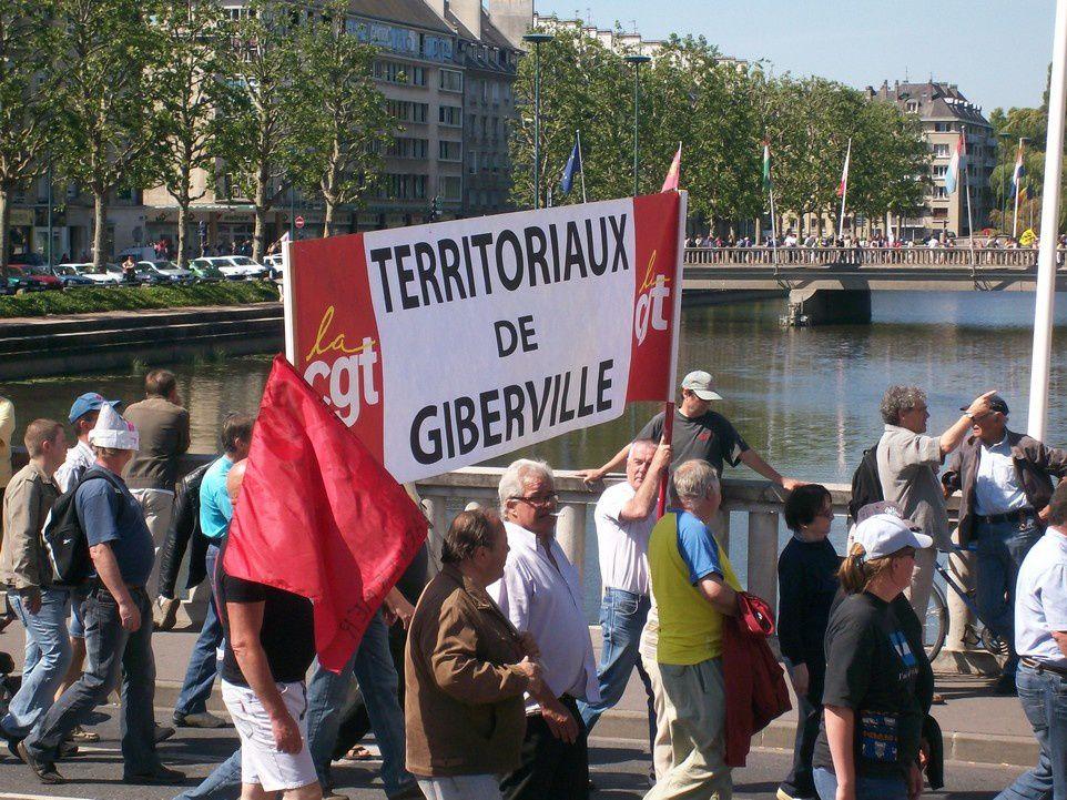 30000 personnes dans la rue à CAEN, en protestation contre le projet de loi concernant les retraites.