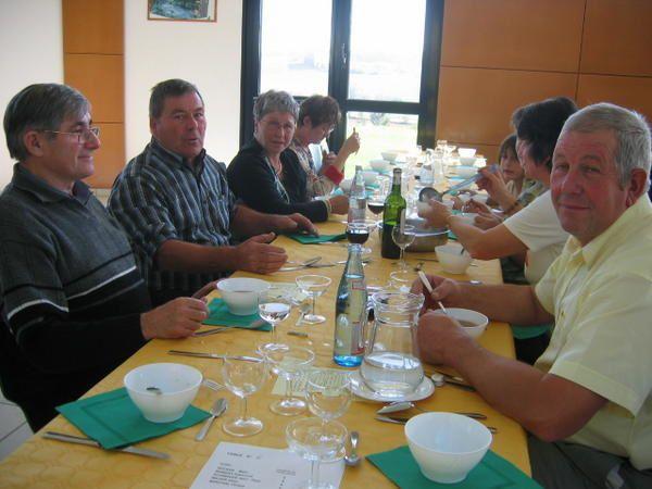 REPAS&nbsp&#x3B; 7 octobre 2007 salle des f&ecirc&#x3B;tes de Piblange