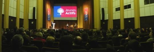 """<p><strong>Les Jeunes Actifs</strong>, le mouvement des trentenaires de l'UMP. Site national : <a href=""""http://www.jeunesactifs.org"""">www.jeunesactifs.org</a>&#x3B; Blogs en Bretagne<a href=""""http://jeunes.actifs.rennes.over-blog.com"""">http://jeunes.actifs.rennes.over-blog.com</a>et <a href=""""http://jeunes-actifs-malouins.typepad.fr"""">http://jeunes-actifs-malouins.typepad.fr</a></p><p></p><p></p>"""