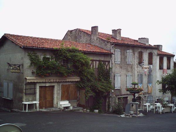 """<p>&nbsp&#x3B;</p><p style=""""MARGIN-BOTTOM: 0cm""""><font color=""""#ffffff""""><font style=""""FONT-SIZE: 16pt"""" size=""""4""""><strong>Villages et villes des Pyr&eacute&#x3B;n&eacute&#x3B;es</strong></font></font></p><p style=""""MARGIN-BOTTOM: 0cm""""><strong><font color=""""#ffffff""""></font></strong></p><p style=""""MARGIN-BOTTOM: 0cm""""><strong><font color=""""#ffffff"""">retour page d'accueil : <a href=""""http://123123.over-blog.com/"""">http://123123.over-blog.com</a></font></strong></p>"""
