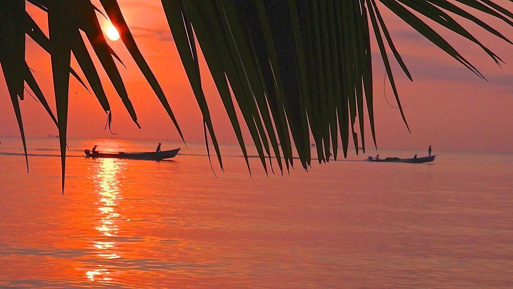 Levers de soleil dans la jungle du Guatemala