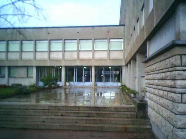 """<p><span style=""""font-weight: bold&#x3B;"""">Voici les façades du Conservatoire de Lyon (CNR) et des établissements acueillant des Classes à Horaires Aménagés CHAM-CHAD :</span><br /></p><ul>    <li>Le CNR (Lyon 5°)    --->   4, Monté cardinal Deco"""