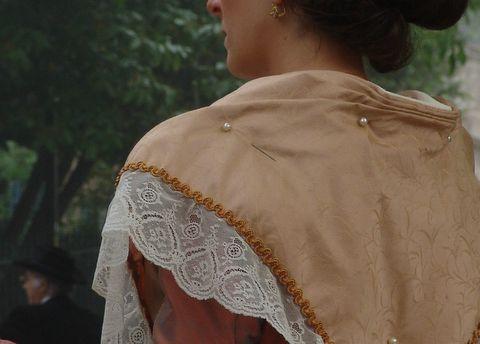 Quelques détails du costume provençal à regarder de près !