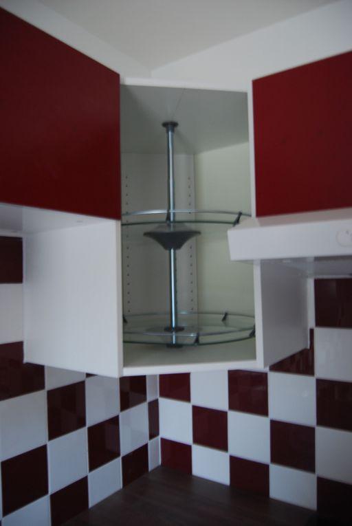 Montage d'une cuisine IKEA avec carrelage