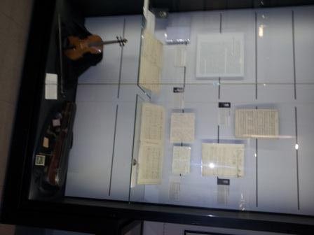 La SABIX a organisé une visite guidée du Musée des Lettres et Manuscrits, 222 Boulevard Saint-Germain, Paris 7e, le mardi 5 mars 2013. Fondé en 2004, ce musée présente des manuscrits littéraires, historiques et scientifiques.