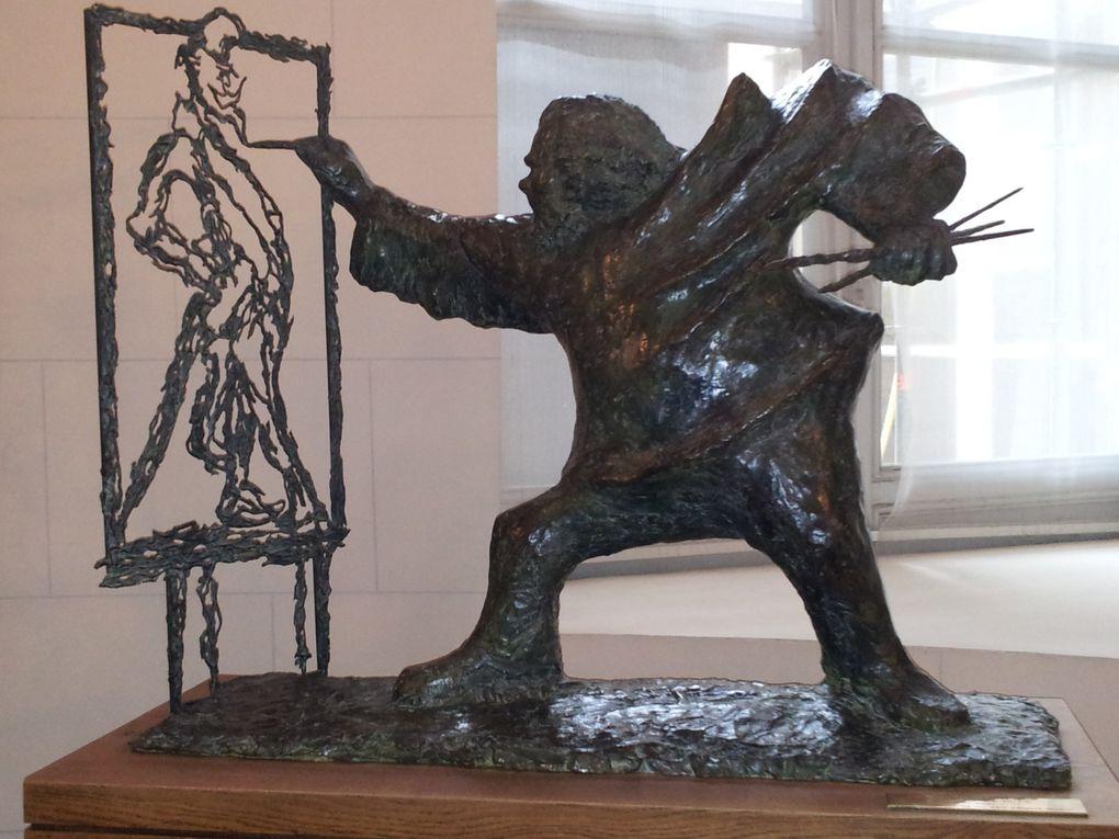 Le 3 juillet 2013, la SABIX a été reçue par Éliane Fighiera , directrice de la bibliothèque du Palais Bourbon. A noter parmi les ouvrages précieux, des incunables, les fonds numérisés de JJ Rousseau, des annotations de Robespierre.