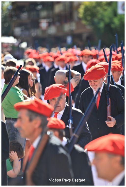 Le 8 septembre, jour de la Vierge de Guadalupe, la ville de Hondarribia, Fontarabie, célèbre son traditionnel Alarde (Parade). Il s'agit d'un défilé que l'on célèbre tous les ans depuis le vœu réalisé par les villageois à la Vierge de Guada