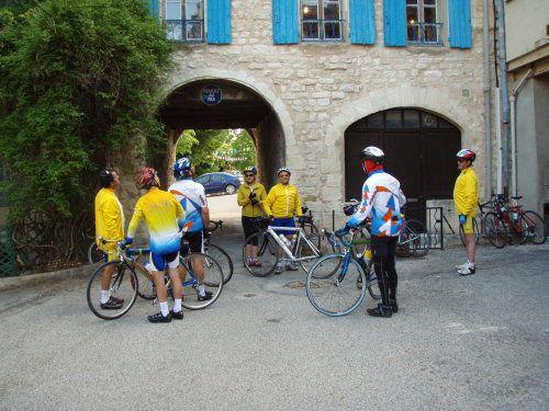les 30 mai, 31 mai et 01 juin 2009, une douzaine de cyclos du CSADN et leurs accompagnatrices séjournaient à Sault, en vue de réaliser l'ascension du Mont Ventoux et de visiter les environs