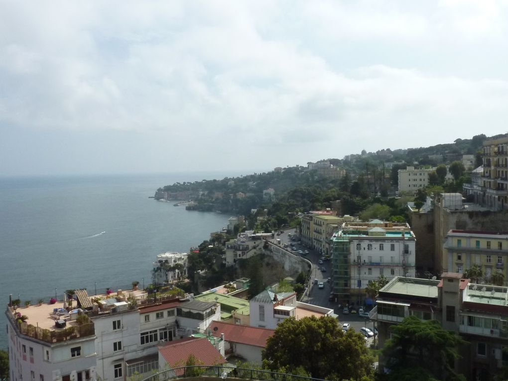 Souvenir en photos d'un très beau parcours en Italie du Sud( Naples, Sorrento, Capri, la Côte amalfitaine et sorrentine, Pompéi etc..