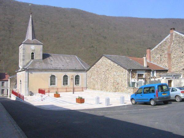 <p>Photos prises&nbsp&#x3B;de la commune de LAIFOUR, &agrave&#x3B; la fois dans le village et du haut de la colline.</p>