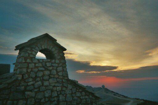 Photos prises en Haute-Savoie (Aravis) et dans le Vaucluse (Ventoux).