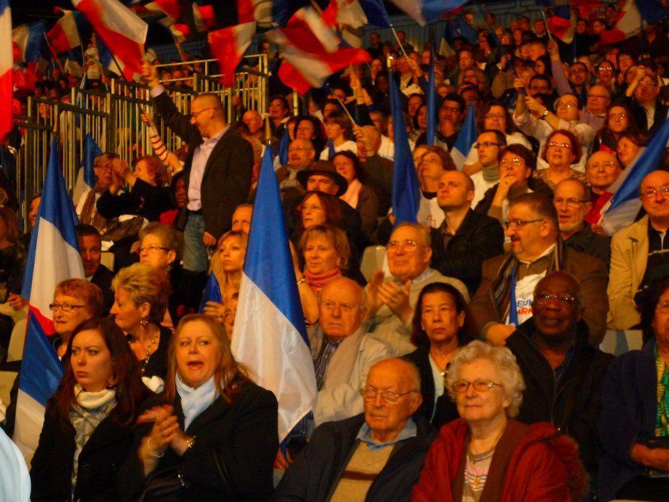 Souvenirs d'un moment fort de la campagne de 2012 avec les 250 militants de la circonscription. Un meeting qui a déclenché une dynamique vers la victoire de notre candidat : Nicolas Sarkozy !