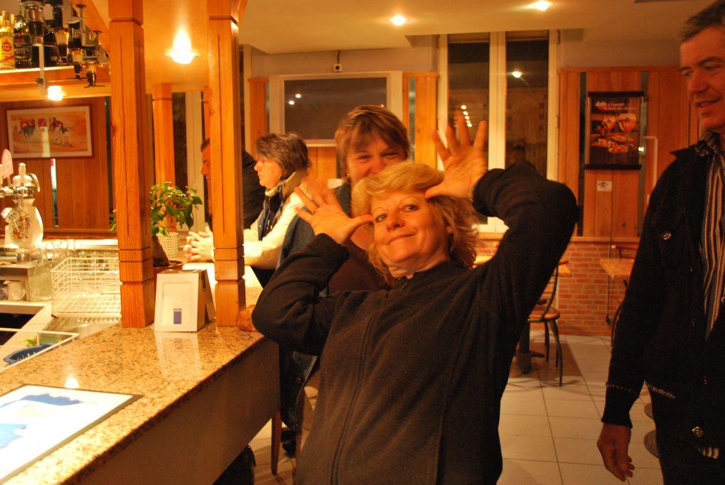 Merci à nos amis Caveiracquois pour ces photos de notre séjour à Salamanque pour l'Ascension 2010. Bonne humeur, visites d'élevages, tientas, apéros ....