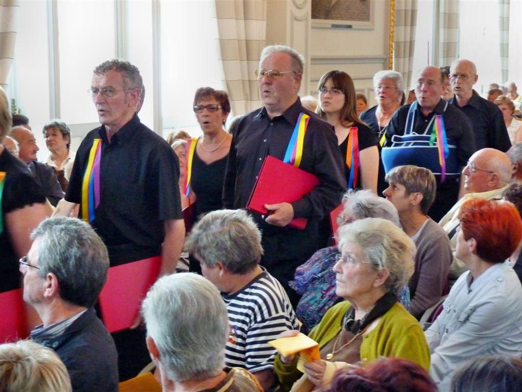 """Concert donné le 28 mai 2010 dans les Salons d'Honneur de l'Hôtel de Ville de Rethel. Le thème en était le""""Tour de France des régions"""" en chansons."""