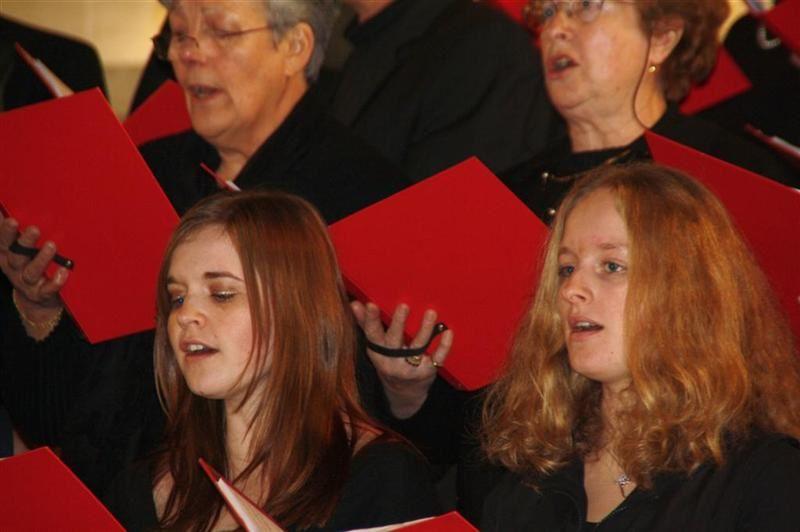 Concert donné le 30 janvier à l'Église Saint-Rémy de Rethel par La Cantilène sous la direction de Marie-Françoise Mélin. Ce Concert était dédié à la mémoire de Pierre Mélin, son papa qui fut notre chef de choeur pendant plus de vingt ann