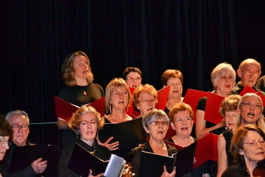 Concert donné le 28/06/2013 au Théâtre de Rethel en compagnie des Maîtres-Chanteurs de Vouziers et de l'l'ecole de Musique de Sedan.