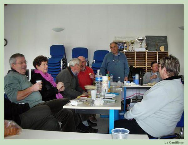 Depuis Janvier 2008, une équipe de volontaires de La Cantilène ont travaillé avec Marco Horvat, musicien et chanteur, spécialiste de musiques et chants anciens. Excellente occasion de se perfectionner, d'affiner notre technique vocale ....