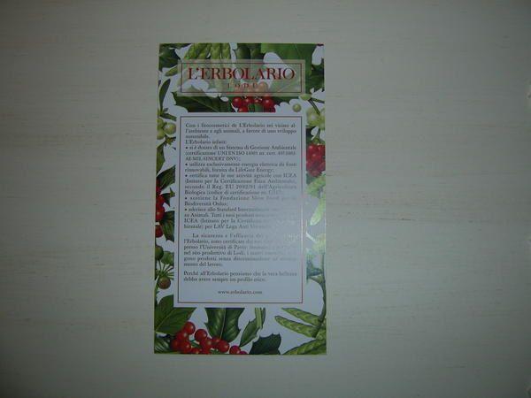 """<span style=""""font-style: italic&#x3B;"""">Voici ma collection de cartes de parfums et cosm&eacute&#x3B;tiques : je suis int&eacute&#x3B;ress&eacute&#x3B;e par tous les formats (calendriers, liquatouchs, cartes postales,...).</span>"""