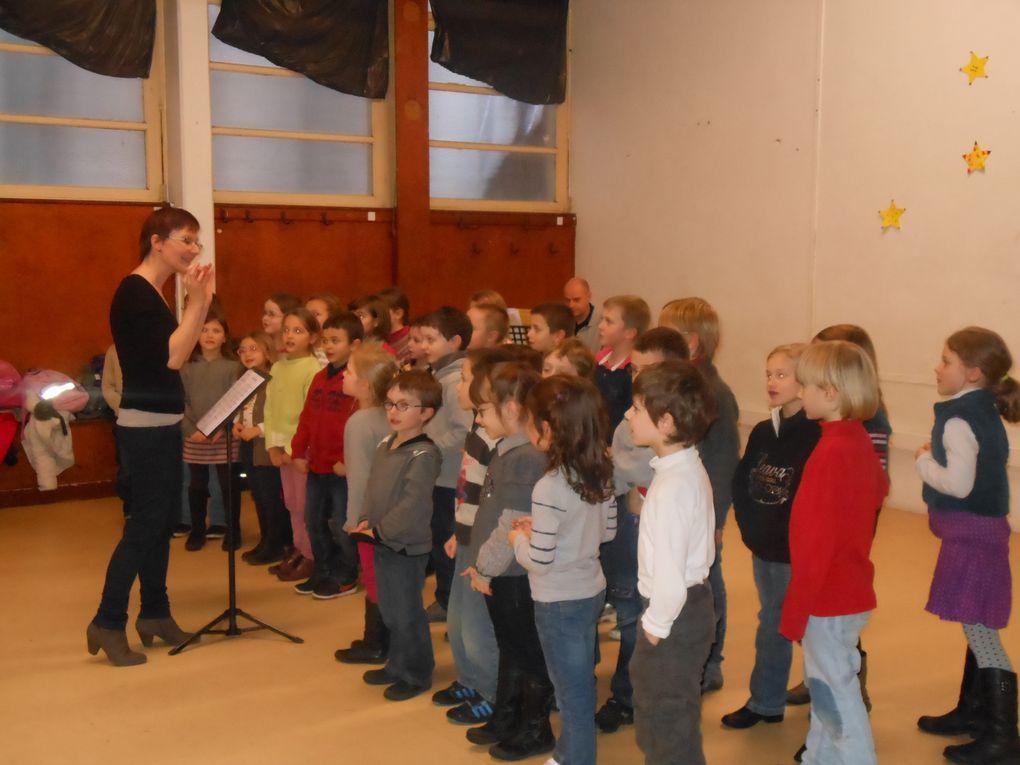 Z - Les CE chantent pour vous!2012