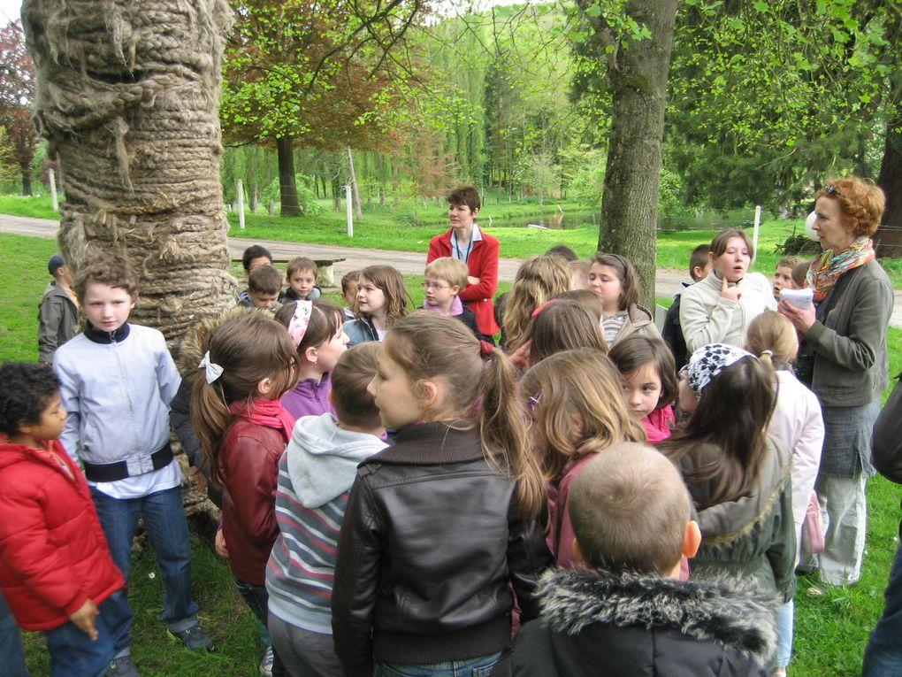 Z - Les-CM2-visitent-une-expo 2012